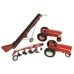 Farm toys (4), Farmall 560 tractor (Exc cond but missing stack), International tractor, McCormick In