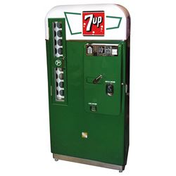 Soda pop machine, 7Up, Very Rare VMC 81, prof restored by the renown John Nelson, Exc working cond,