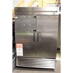 TRUE S/S DOUBLE DOOR FREEZER