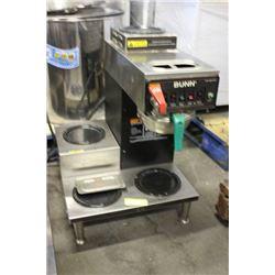 BUNN COFFEE MAKER W/ HOT WATER DISPENSER AND (4)