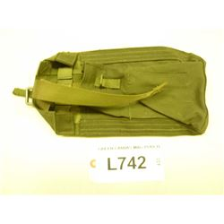 GREEN CANVAS MILITARY  MAG POUCH