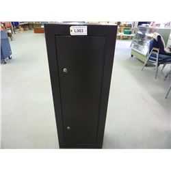 STEEL GUN CABINET WITH KEY