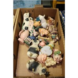 BOX WITH 16 PCS PIG COLLECTIBLES