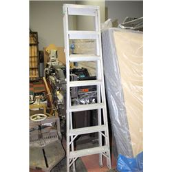 2 IN 1 EXTENDABLE A-FRAME LADDER