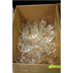 ESTATE BOX OF CRYSTAL GLASSES