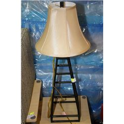 SHOWHOME METAL TOWER LAMP