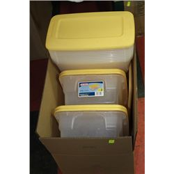 BOX OF PLASTIC CONTAINERS