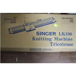 SINGER KNITTING MACHINE  LK100