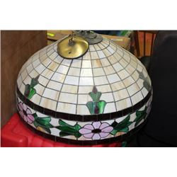 STAIN GLASS STYLE HANGING LIGHT FIXTURE