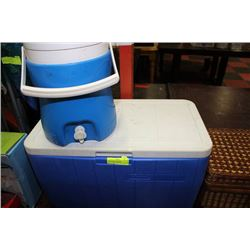 LARGE SIZE COLEMAN BLUE & WHITE COOLER & LARGE