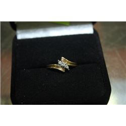 LADIES RING WITH DIAMOND ACCENTS