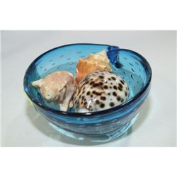BLUE GLASS  SNAIL WITH SEA SHELLS