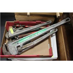 BUNDLE OF PIPE WRENCHES