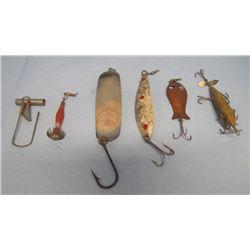 LOT ASSORTED FISHING HOOKS