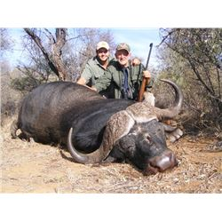 7-Day Cape Buffalo Hunt for One Hunter and Three Non-Hunters in South Africa