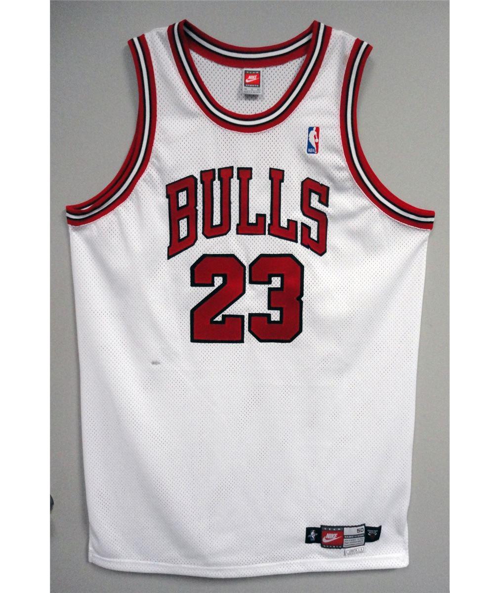 buy popular 05ddb cbf30 Michael Jordan Autographed White Bulls #23 Jersey