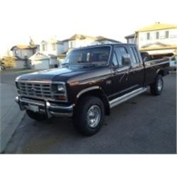 NO RESERVE! 1985 FORD F250 LARIAT SUPERCAB