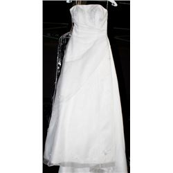 VENUS 9130 WEDDING DRESS SIZE:8
