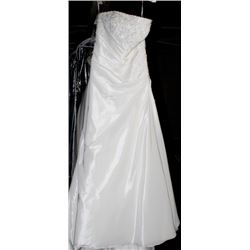 ELLA ROSA VE53 WEDDING DRESS SIZE:12
