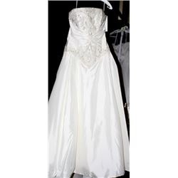 VENUS 7949 WEDDING DRESS SIZE:14