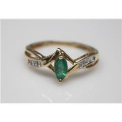 #22 14K GOLD EMERALD 0.30cT & 8 SIDE DIAMONDS