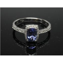 #48 10K GOLD TANZANITE 0.90ct & 44 SIDE DIAMONDS