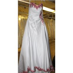 WHITE & RED FLORAL WEDDING DRESS SIZE: 12