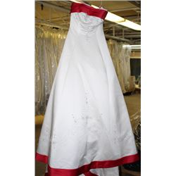 IVORY & RED  WEDDING DRESS SIZE: 10