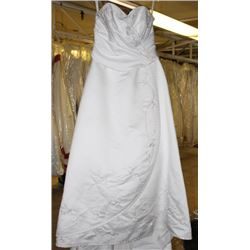 WHITE WEDDING DRESS SIZE: 16