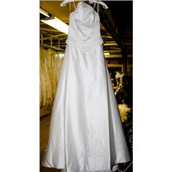 IVORY WEDDING DRESS SIZE: 8