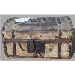 Small Wood Wagon Train Trunk
