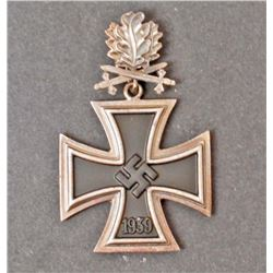 GERMAN NAZI KNIGHTS CROSS OF THE IRON CROSS W/ OAK LEAVES AND SWORDS