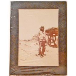 EARLY VINTAGE MOUNTED PHOTO OF A NATIVE AMERICAN INDIAN