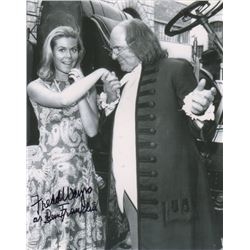 Fredd Wayne Signed Photo as Benjamin Franklin with Elizabeth Montgomery from Bewitched