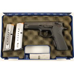 Smith & Wesson 915 9mm SN: VYC7815