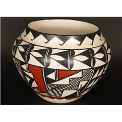 Acoma Polychrome Pot with Geometric Design