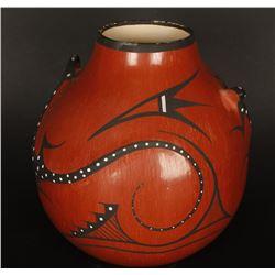 Zuni Effigy Pot with Lizards
