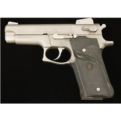 Smith & Wesson 659 Cal: 9mm SN: TAW8067