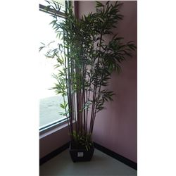 ARTIFICIAL TREE WITH POT