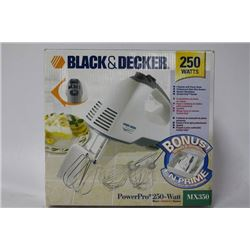 NEW BLACK AND DECKER POWERPRO 250 W MIXER