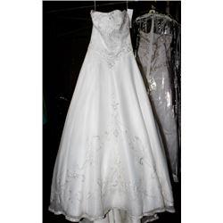 MOONLIGHT LH9607 WEDDING DRESS SIZE: 8