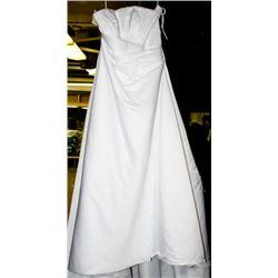 WHITE WEDDING DRESS SIZE:14