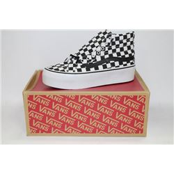 PAIR OF NEW VANS SHOES MENS SIZE 6