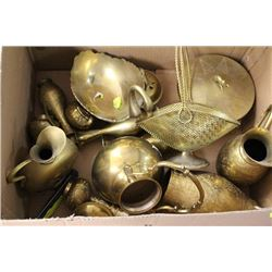 BOX OF ASSORTED INDIAN BRASS