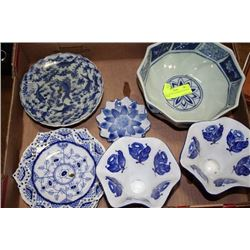 TRAY OF BLUE & WHITE ACCESSORY DISHES