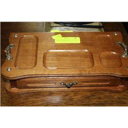 JEWELLERY BOX WITH CONTENTS. CONTAINS MIRROR ON