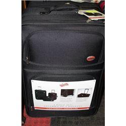 NEW CANADIAN TOURISTER 3 PC LUGGAGE SET : BLACK