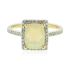 14KT Yellow Gold 1.55 ctw Opal and Diamond Ring