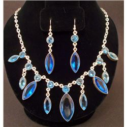 ESTATE COSTUME JEWELRY NECKLACE AND EARRINGS SET