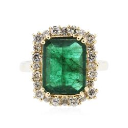 14KT Yellow Gold 3.81 ctw Emerald and Diamond Ring